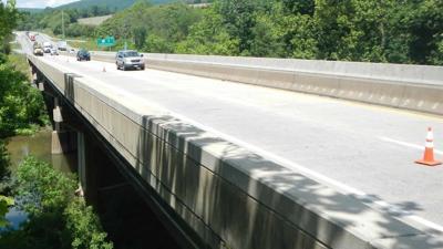 Interstate 78 bridge at Lenhartsville