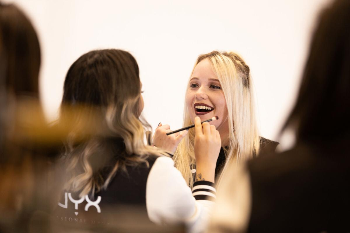 Content Creator artStar applies NYX Professional Makeup to Team Captain EMUHLEET of Dignitas.