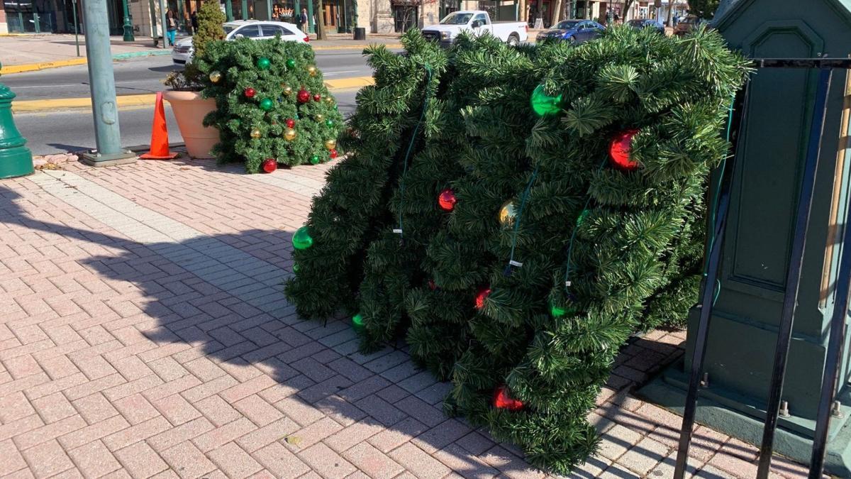 11-13-19 Reading Christmas tree installed 2.jpg