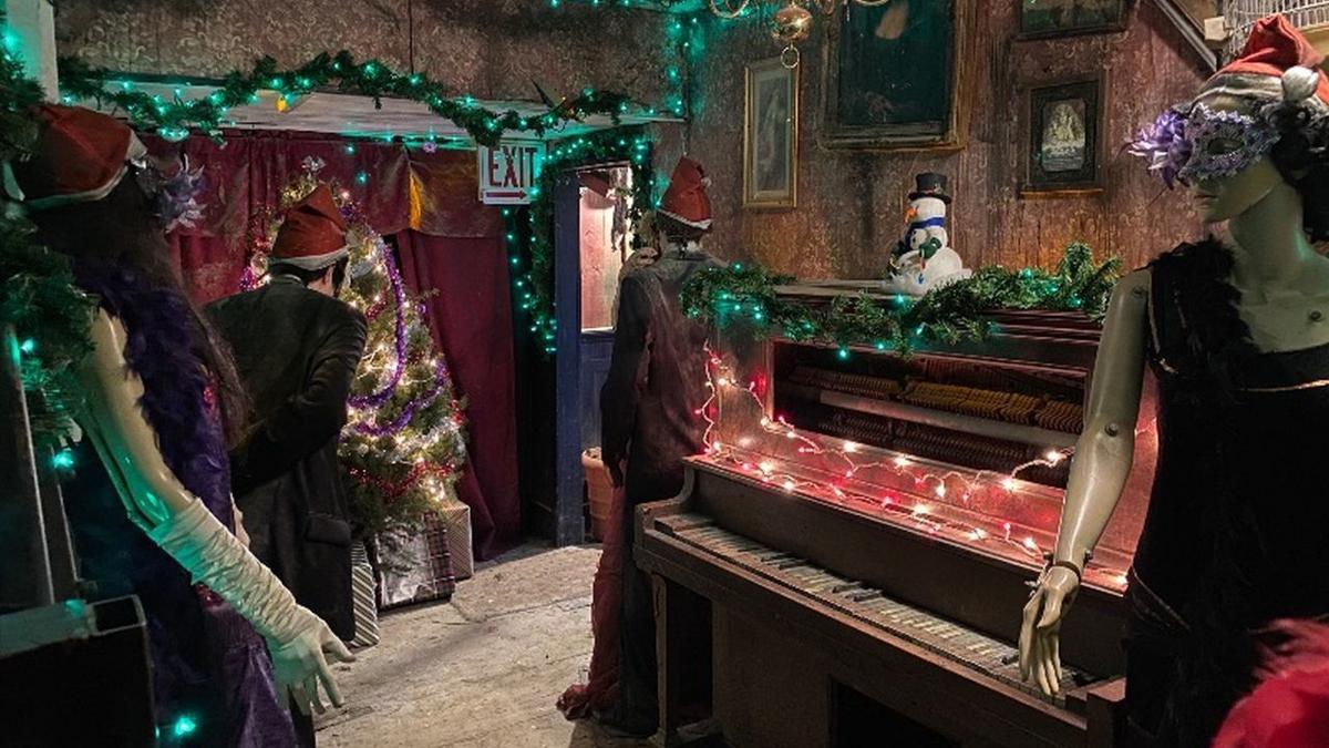 12-12-19 Field of Screams Christmas 1.jpg