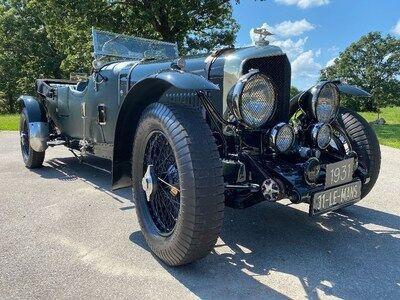 The_Vault_vintage_car.jpg