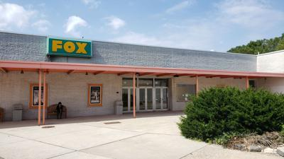 The final film: Fox East movie theater in Exeter closes