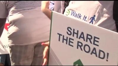 Flash mob teaches Bethlehem drivers to share the roads