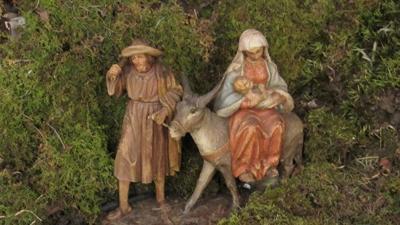 11-28-19 Christmas putz.jpg