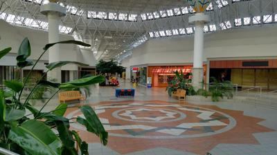 Fairgrounds Square owner to close stores inside 'failed' mall