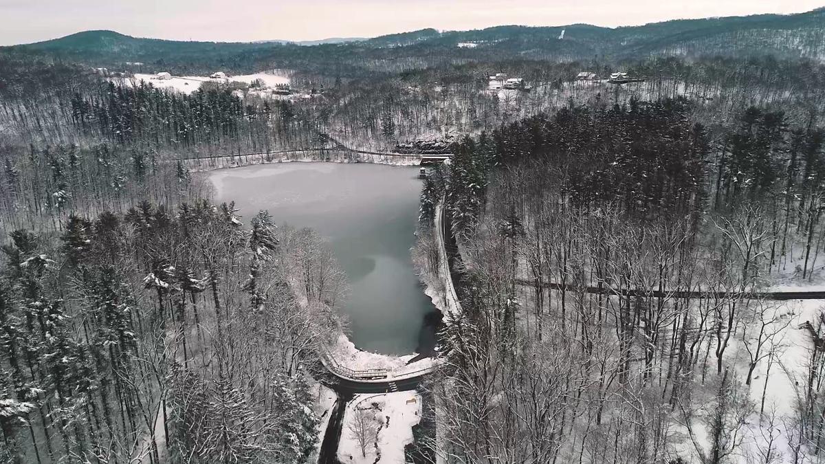 3-4-19 Snowfall at Antietam Lake from drone 1.jpg