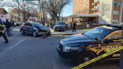 3 RPD officers hurt in crash with SUV in Reading