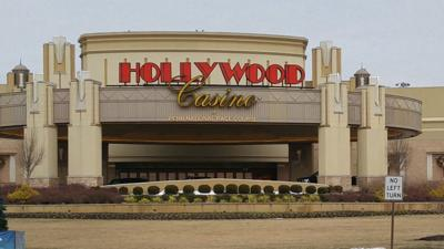 Penn National casino fined for unapproved poker play