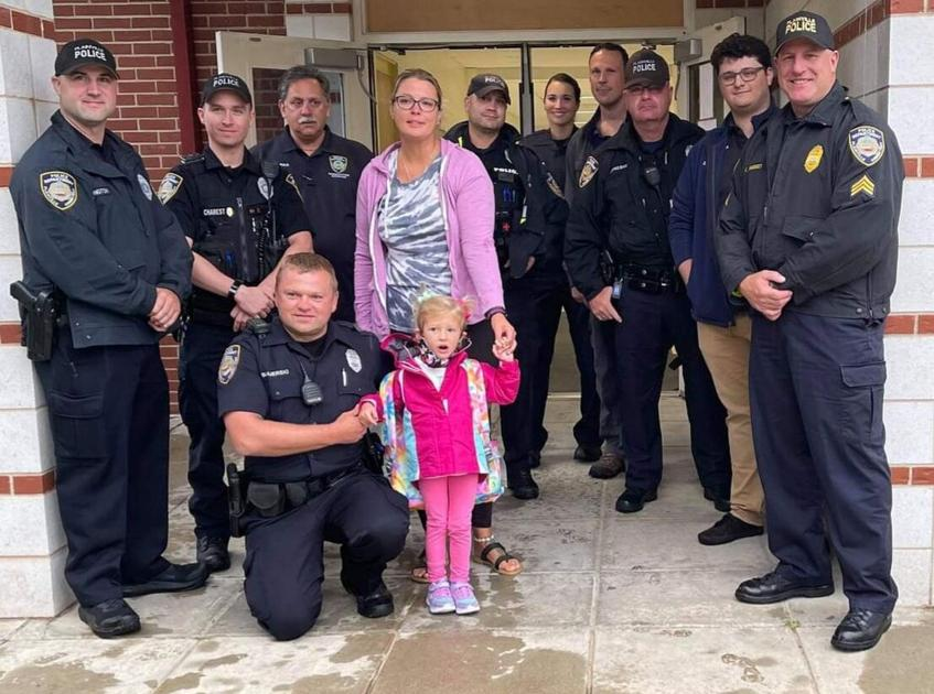 Plainville police gather outside school to surprise daughter of officer killed in crash