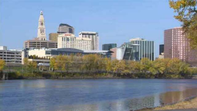 Cash-strapped Hartford sees labor union reject money-saving contract