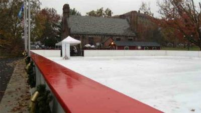Weather delays activities at Winterfest in Hartford
