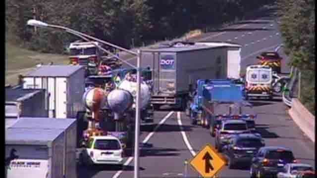 Delays clear after 3-car crash in Southington | Traffic