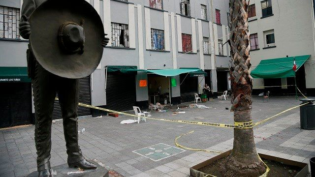 Gunmen disguised as mariachi band kill 5, injure 8 others in Mexico City plaza