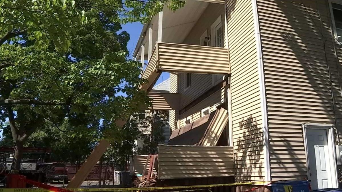 911 calls released from Hartford porch collapse