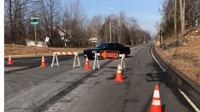 Gas leak closes Main Street in Glastonbury