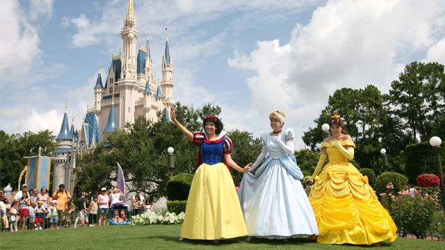 4-year-old gets princess sendoff to Disney World from Make-A-Wish