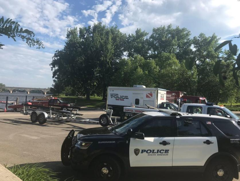 Search for missing boater in Connecticut River continues on Monday
