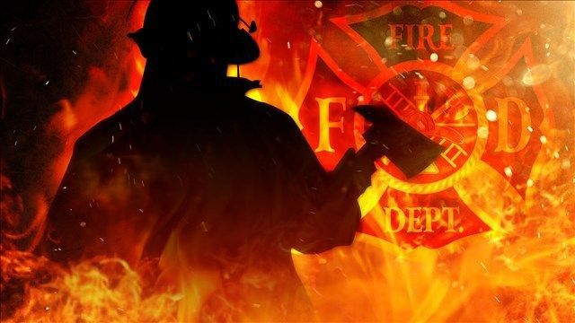 Firefighters battle early morning fire in East Windsor