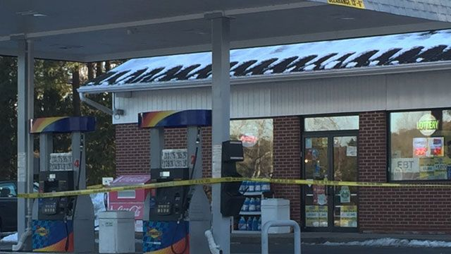 Police investigating robbery at gas station in Farmington