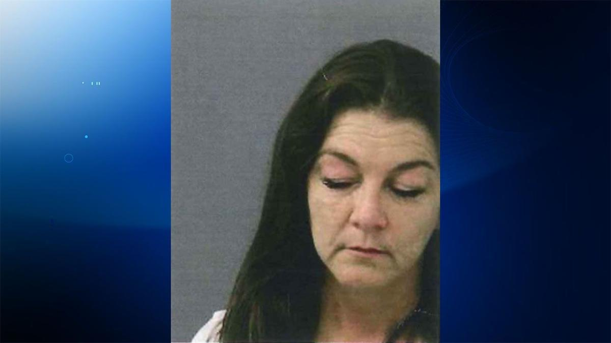 Country music star Gretchen Wilson arrested at Bradley airport