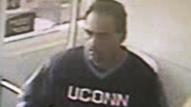 Clinton police seek grocery store thieves