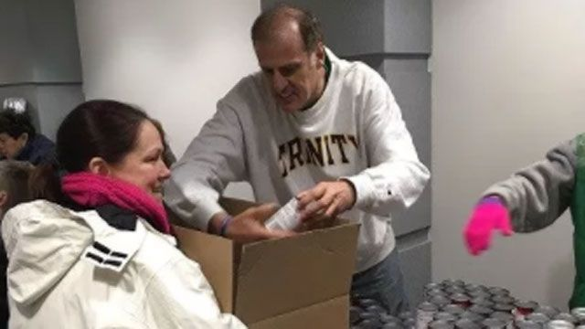 Local business helps box over 200 Thanksgiving dinners
