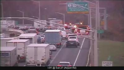 Crash closes I-91 south ramp in Hartford