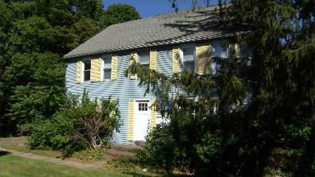 Historical society trying to save homes in Hamden