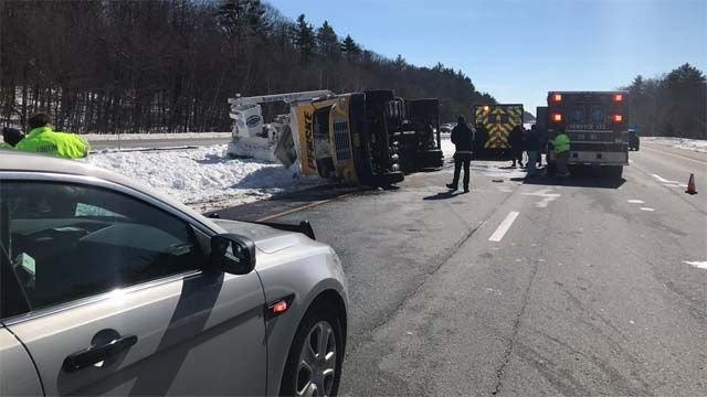 Truck rollover causes delays on I-84 in Union