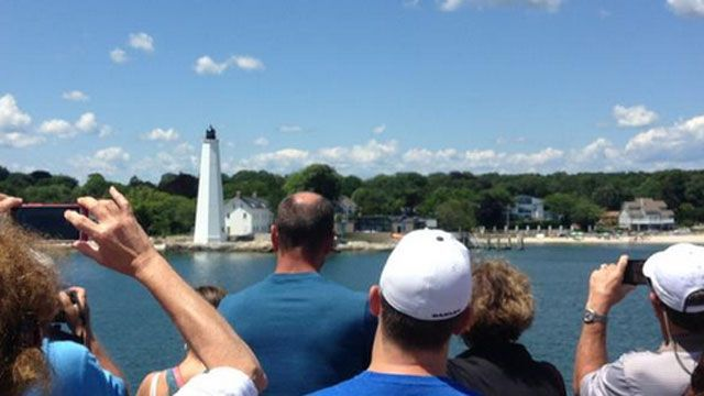 Tour visits 8 lighthouses along Long Island Sound