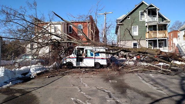 Strong wind causes damage throughout CT
