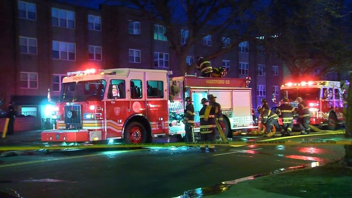 Fire displaces hundreds of residents from a Hartford apartment building