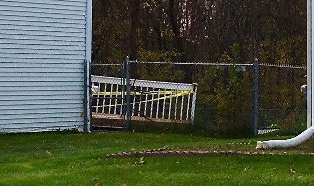 PD: 2 injured after deck collapse in East Hartford on Saturday