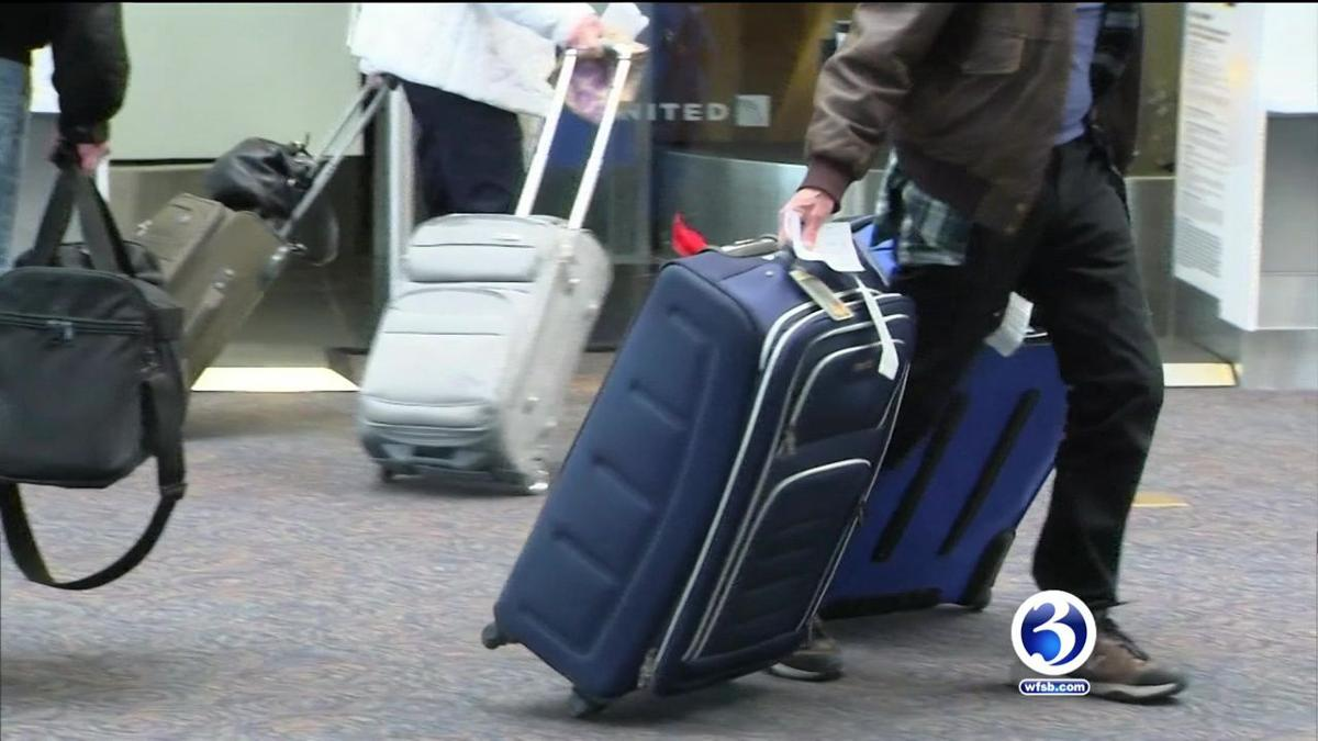 Video: Senator highlights airline passenger protections