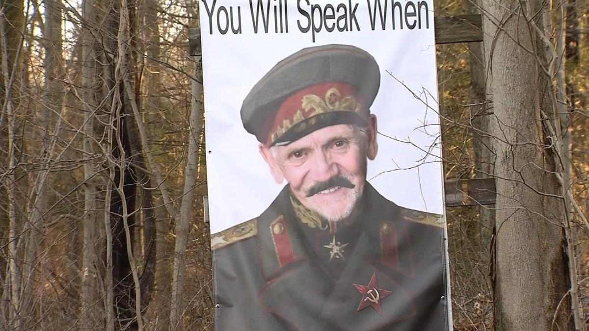 Woodbury resident's sign draws criticism