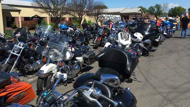 Hundreds of motorcyclists participate in MDA Ride