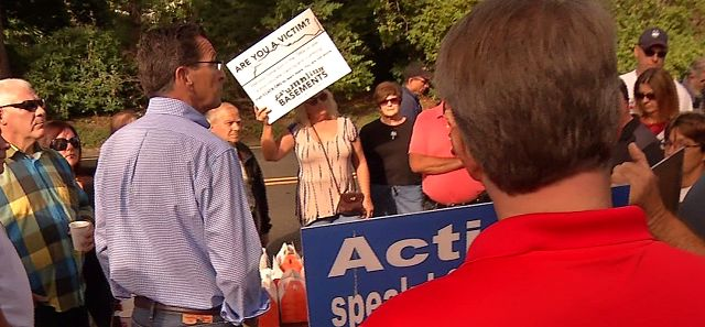 Homeowners urge Governor Malloy for more response on their crumbling foundations
