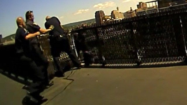 New Haven officers talk down suicidal woman