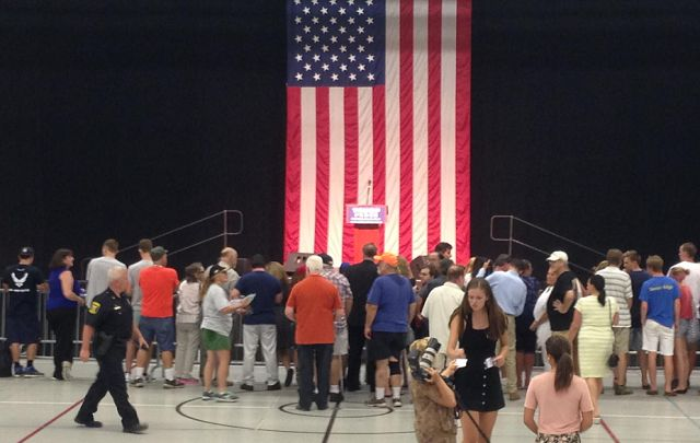 Supporters withstand the heat to see Trump speak in Fairfield