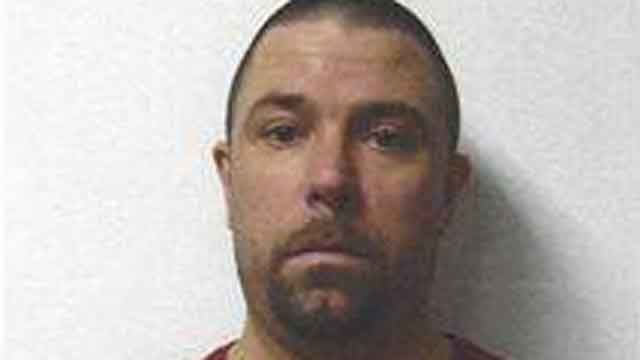 PD: Man with outstanding felony arrest warrant wanted by police