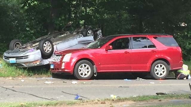 One person killed in 5-car crash in Southbury