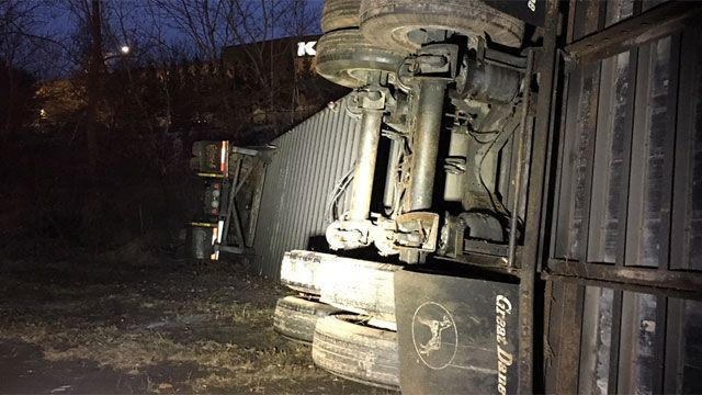 Tractor-trailer rolls over on I-84 eastbound in Manchester