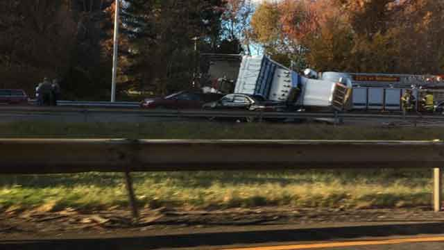 I-91 southbound in Meriden re-opened after crash