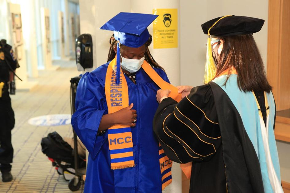 Jessica Edwards' sister accepts posthumous college degree