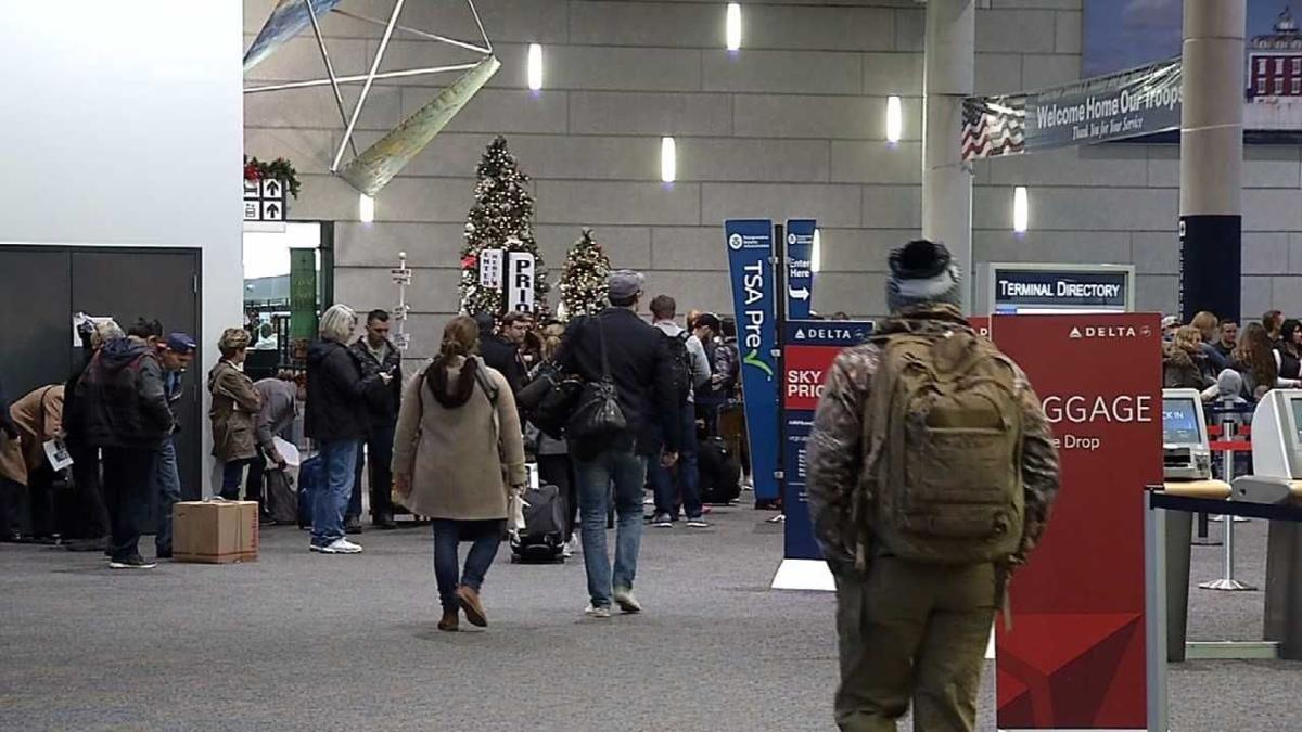 Millions travel in record numbers for Thanksgiving holiday