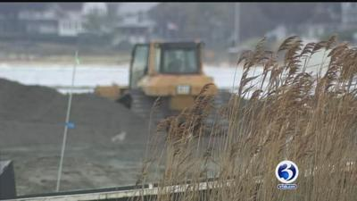 Madison residents raise a stink over smell of sand at Hammonasset State Park