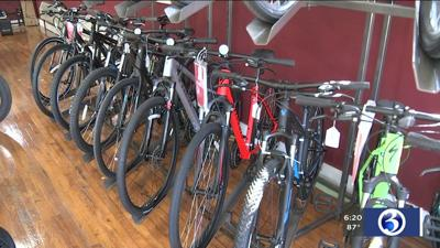Ride held to celebrate grand opening of Willimantic bike store
