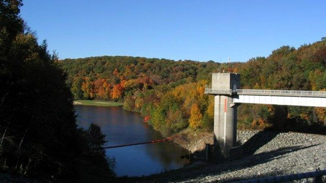 Hop Brook Lake in Middlebury closed to swimmers