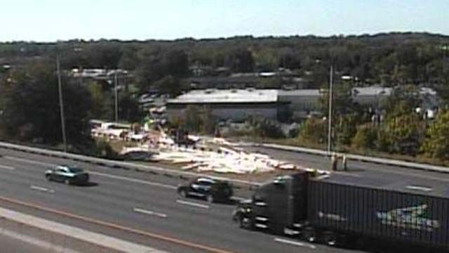 Tractor Trailer crash closes exit ramp off I-95 in Milford
