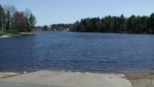 Boaters warned of Griswold pond draw down